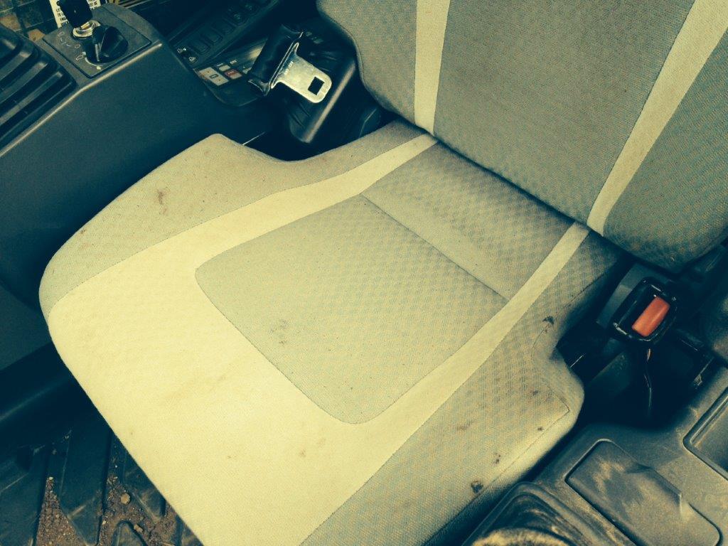 Use Product Code HEXLC9 Cat Excavators Black Duck Seat Covers
