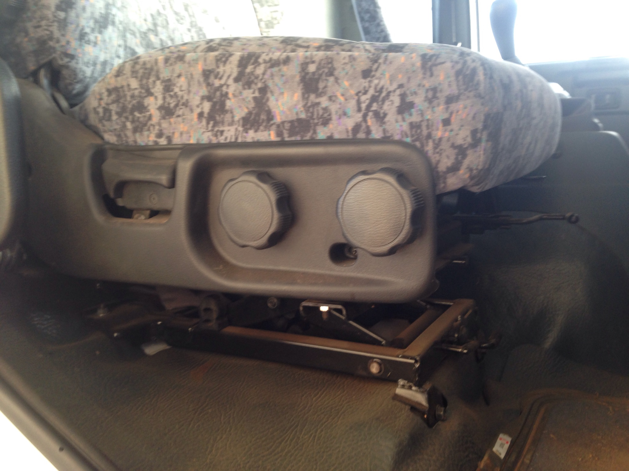 Nissan Ud Truck Black Duck Seat Covers
