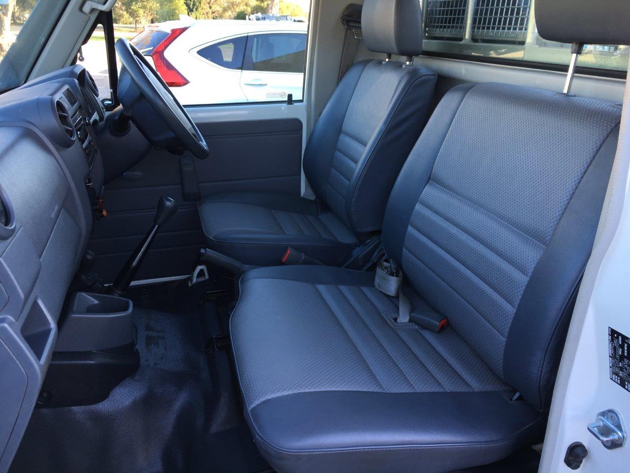 Driver Bucket Passenger 3 4 Bench Seater Suitable For VDJ79 Landcruiser